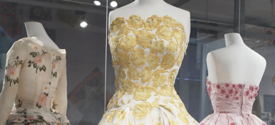 Kleid mit St.Galler Stickerei